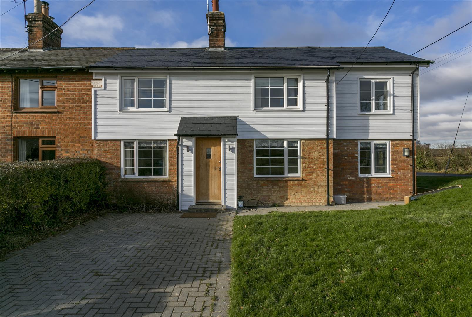 4 Bedrooms Semi Detached House for sale in Goudhurst Road, Staplehurst, Tonbridge